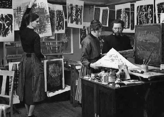 In the studio at Västergatan 15B, Gothenburg, 1958 - Maj Nilsson, Lisa Grönwall & Cliff Holden. Original photograph by Olle Waller.